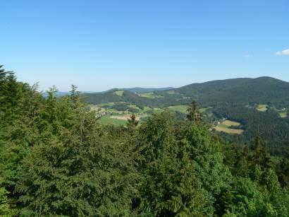 Burg Altnussberg Burgruine-aussichtspunkt-bayerwald-fernsicht-landschaft
