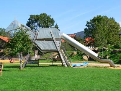 arnbruck-glasdorf-weinfurtner-kinderspielplatz-drache