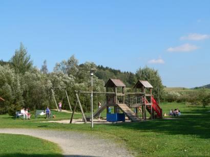 arrach-bayerischer-wald-seepark-arrach-erholung-kinderspielplatz