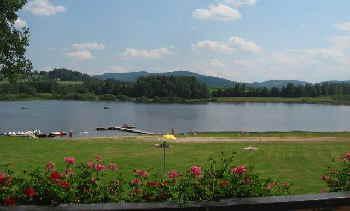 waldmuenchen-perlsee-baden-bootfahren-camping
