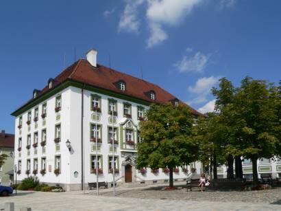 bad-kötzting-bayerischer-wald-bauwerke-rathaus-touristinfo