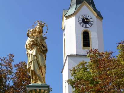 bad-kötzting-bayerischer-wald-innenstadt-kirche-marienstatue