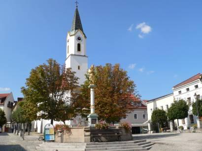 bad-kötzting-bayerischer-wald-innenstadt-kirche-stadtplatz-marktplatz