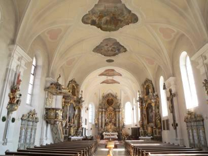 bad-kötzting-bayerischer-wald-kirchenburg-kirche-altar-innen