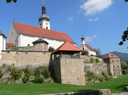 bad-kötzting-bayerischer-wald-kirchenburg-kirche-bayerwald