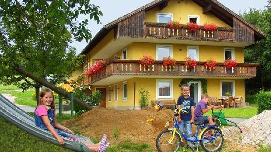 Urlaub auf dem Bauernhof im Bayerischen Wald mit Brotbacken