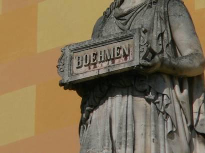 befreiungshalle-kelheim-bilder-fotos-detail-statuen