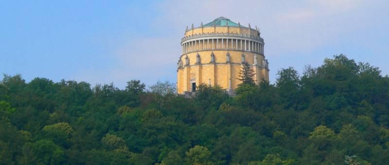 befreiungshalle-kelheim-michlberg-historische-bauwerke-bayern-panorama