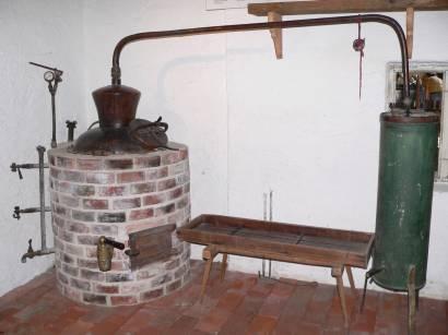 böbrach-gläserne-destille-bärwurz-brennerei-herstellung-schnaps