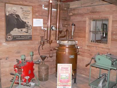 böbrach-gläserne-destille-bärwurz-museum-schnaps-herstellung
