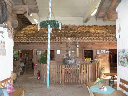 böbrach-gläserne-destille-bärwurz-schnaps-museum