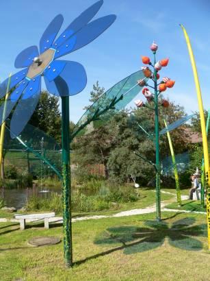 bodenmais-ausflugsziel-joska-kristall-glaskunst-glasblumen-garten