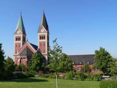 cham-kirchen-maria-hilf-kloster-klosterkirche-bayern-kirchen
