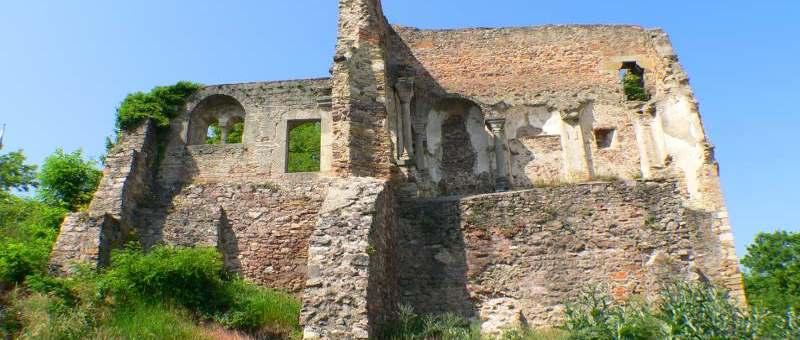 Burgruine Donaustauf bei Regensburg - Schöne Burgruine in Bayern