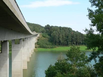 eixendorfer-stausee-neunburg-vorm-wald-rötz-brückenpfeiler