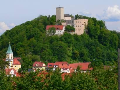 falkenstein-bayerischer-wald-falkensteiner-burg-kirche-berg