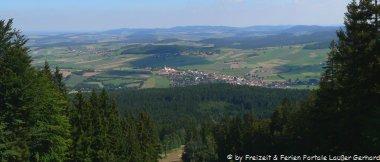 Feriendorf Bayerwald Ferienhäuser am See in Ostbayern