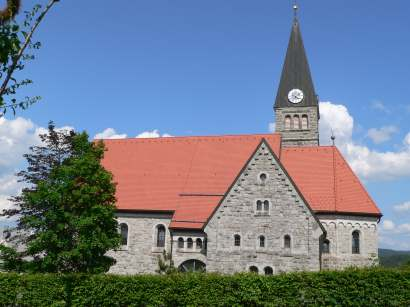 finsterau-ausflugsziele-bayerischer-wald-kirche-ansicht