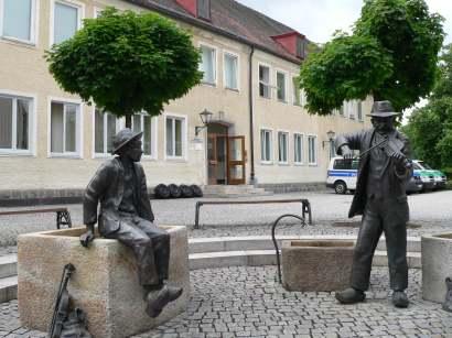 freyung-ausflugsziele-pfenniggeiger-statuen-wahrzeichen