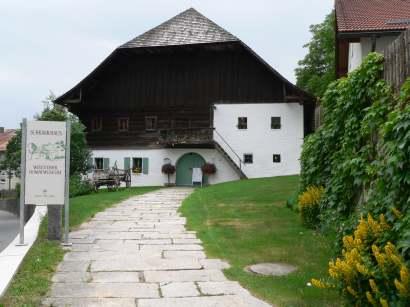 Ausflugsziel Wolfsteiner Heimatmuseum im Schramlhaus - Bilder und Fotos