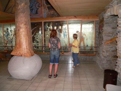 glaeserne-scheune-raeuber-heigl-austellung-museum