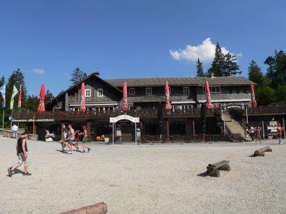 Ausflugsgaststätte am Arbersee treffpunkt für Biker, Familienausflug