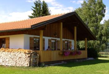 bayerischer wald ferienbungalows in bayern bungalow urlaub. Black Bedroom Furniture Sets. Home Design Ideas