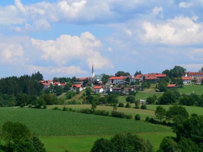 hohenau-bayerischer-wald-ausflugsziel-ort-ansicht