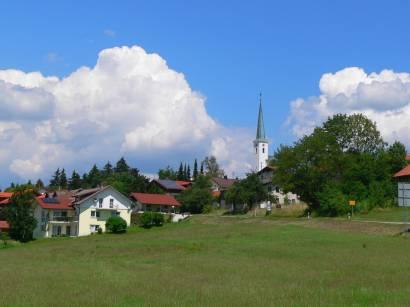 hohenau-bayerischer-wald-ausflugsziel-ortsansicht
