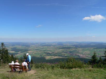 Wanderung am Hohen Bogen Gipfel Aussicht
