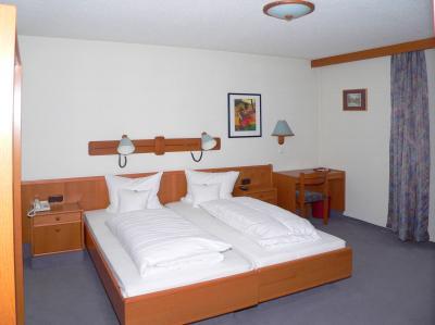 hotel-schlosspark-zimmer-barrierefrei-bayern