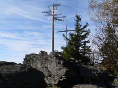 Gipfelreuz auf dem Kreuzfelsen vom Kaitersberg Bad Kötzting