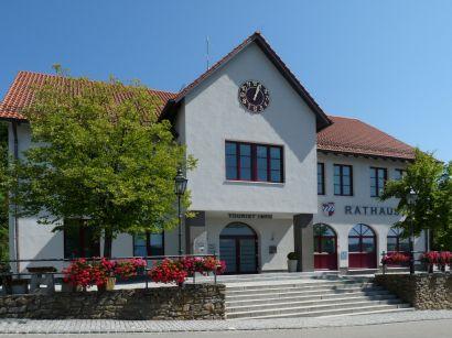 kollnburg-bayerischer-wald-ausflugsziel-rathaus-touristinfo