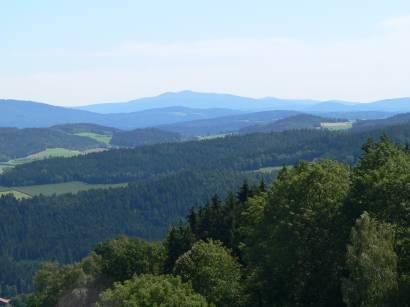 kollnburg-burgruine-bayerischer-wald-aussichtspunkt-bayerwald-ausblick