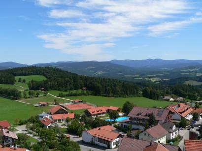 kollnburg-burgruine-bayerischer-wald-aussichtspunkt-bayerwald-aussicht