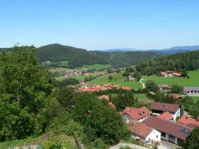 kollnburg-burgruine-bayerischer-wald-aussichtspunkt-bayerwald