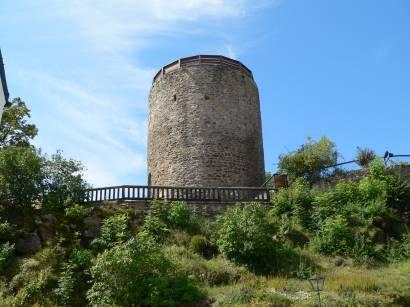 kollnburg-burgruine-bayerischer-wald-bergfried-burg-turm