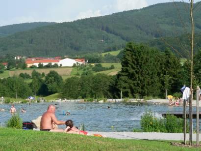 lalling-bayerischer-wald-badeurlaub-badesee-bayern