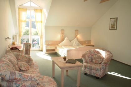 bayern landhotel in deutschland am see mit wellness. Black Bedroom Furniture Sets. Home Design Ideas