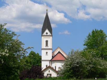 ludwigsthal-bayerischer-wald-kirchen-pfarrkirche-kirchenturm