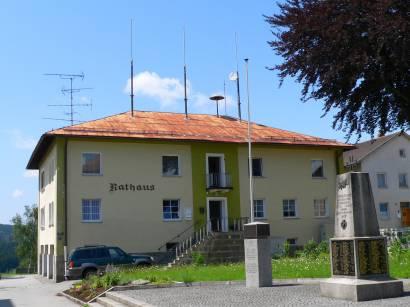 mauth-bayerischer-wald-ausflugsziele-bauwerke-rathaus