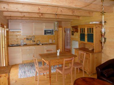 naturholzhaus-ferienhaus-ferienwohnung-essbereich-kochen-bayern