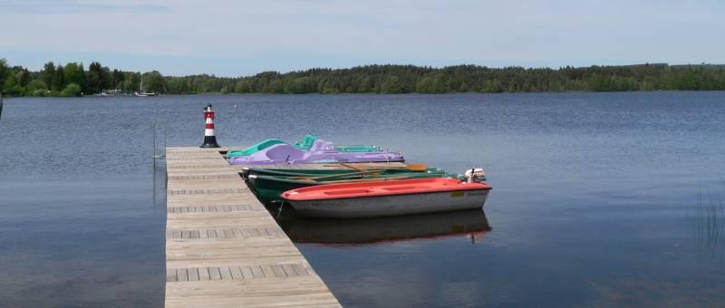 nNeubäuer See in Neubäu zum Schwimmen, Angeln, Boot fahren