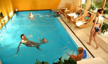 neuhof-hallenbad-wellness-massage-hotel-beauty-passau