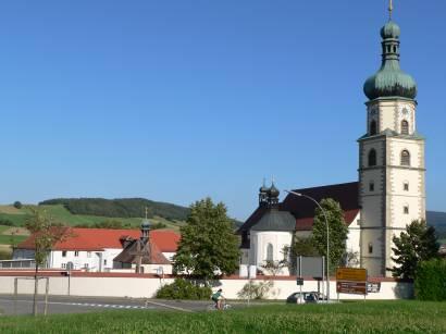 neukirchen-beim-heiligen-blut-wallfahrtskirche-ansicht-bilder