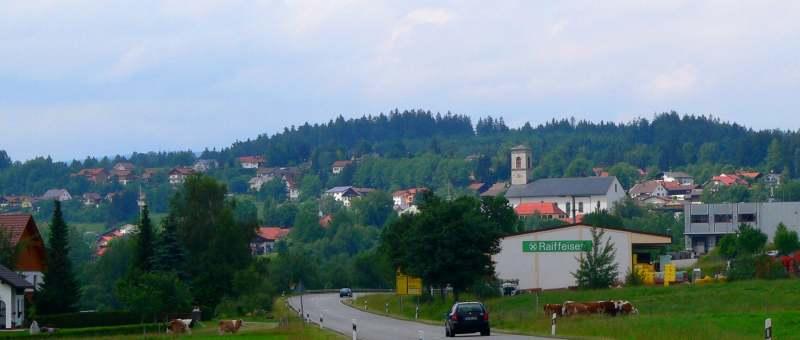 neureichenau-bayerischer-wald-ausflugsziel-ansicht-ort-panorama