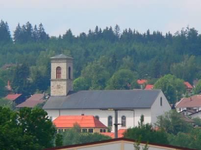neureichenau-bayerischer-wald-ausflugsziele-ort-kirche