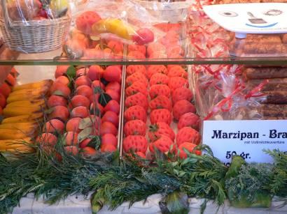 nürnberg-christkindlesmarkt-marzipan-früchte-süssigkeiten