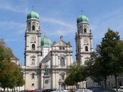 Der Passauer Dom St. Stephan Ausflugsziel und Wahrzeichen