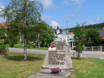 Gedenkstein bei der Tussetkapelle